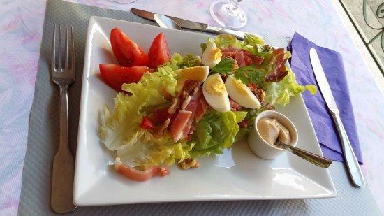 Hotel de la Tour : salade franc comtoise