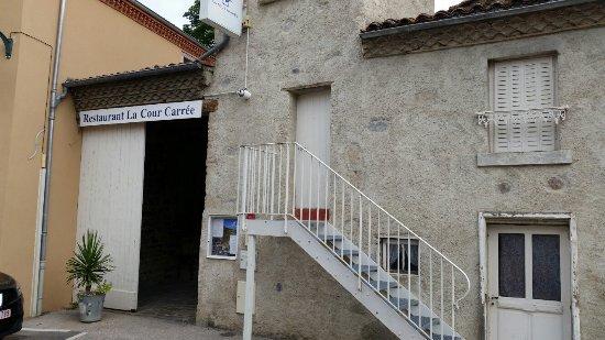 Perrier, France : La Cour Carrée