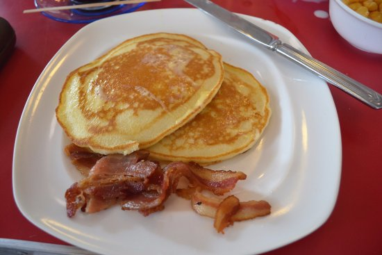 Macy's Diner Laoag: my breakfast served with coffee. Coffee was good - perfectly brewed!