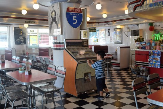 "Macy's Diner Laoag: a grandson tinkering with ""what is this?"""