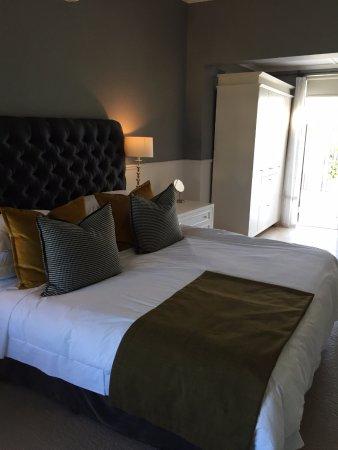 The Cape Cadogan: Bed