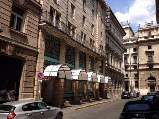 K+K Hotel Opera: K+K Opera Hotel, Budapest exterior