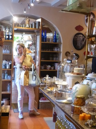 La Perriere, France: Boutique interior