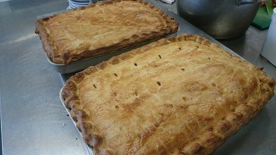 Saint Teath, UK: Homemade Steak Pies