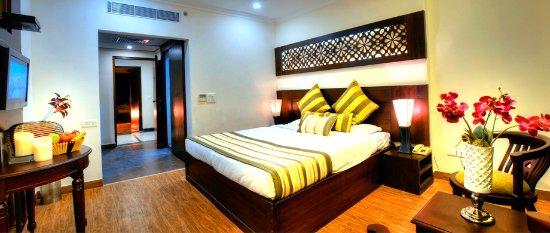 Hotel Royale Residency: Deluxe Room