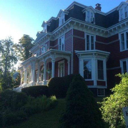 Blomidon Inn: The beautiful Inn.