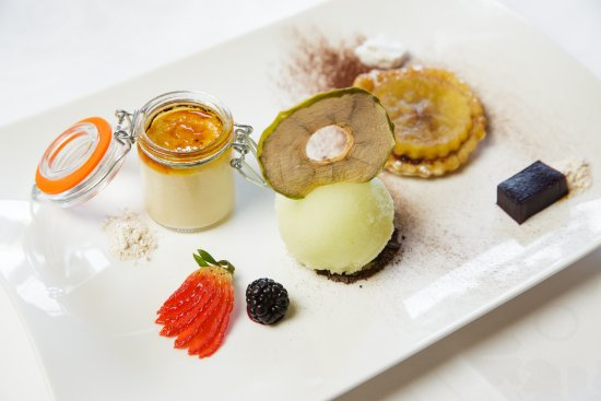 Greenhills Country Restaurant: Trio of pudding