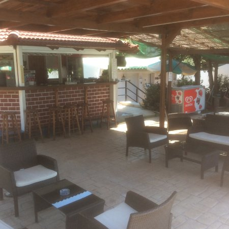 Hotel Terinikos: Barretje bij het zwembad