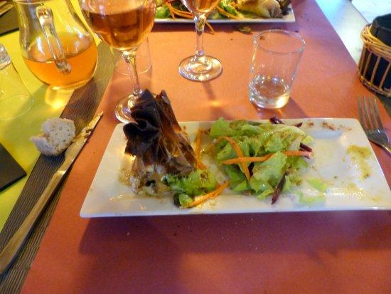Vagnas, Francia: entrée aumonière au chèvre