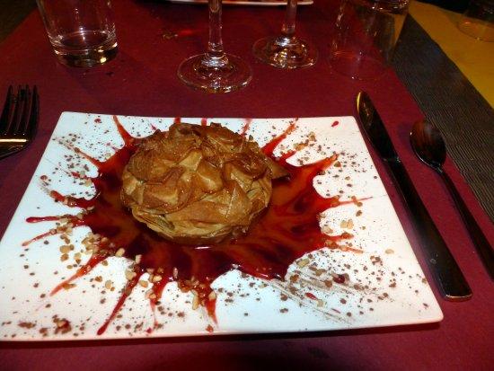 Vagnas, Francia: dessert croustade aux pommes