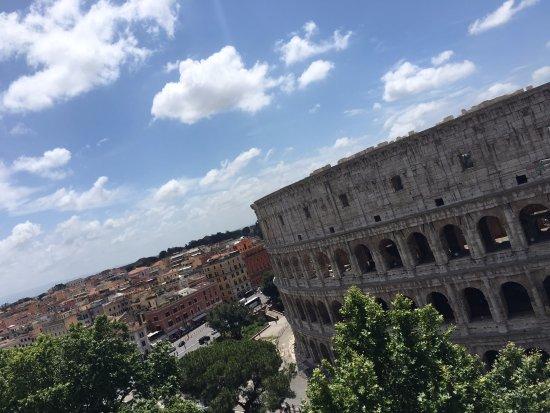 Una vista dalla terrazza - Foto di B&B Colosseum Corner, Roma ...