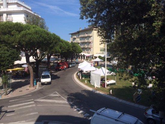 Hotel Alexander: Výhled na náměstí Piazza Nember