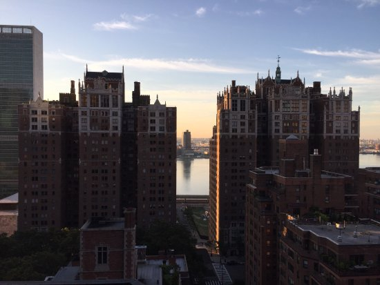 Hilton Manhattan East: photo0.jpg