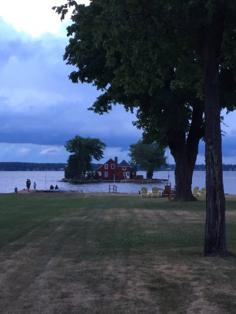 The Lodges at Oak Point: Great little riverfront community!