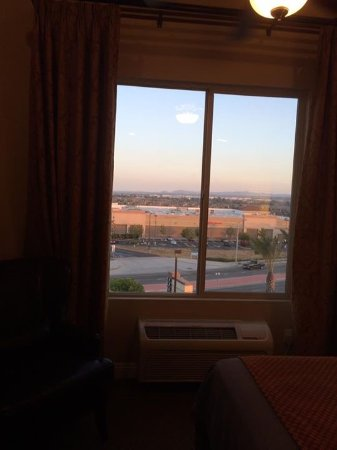 Ayres Hotel & Spa Moreno Valley: The view from our room
