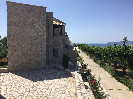 Castello Antico Beach Hotel: View on the side