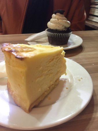 Monarch Bakery: photo0.jpg