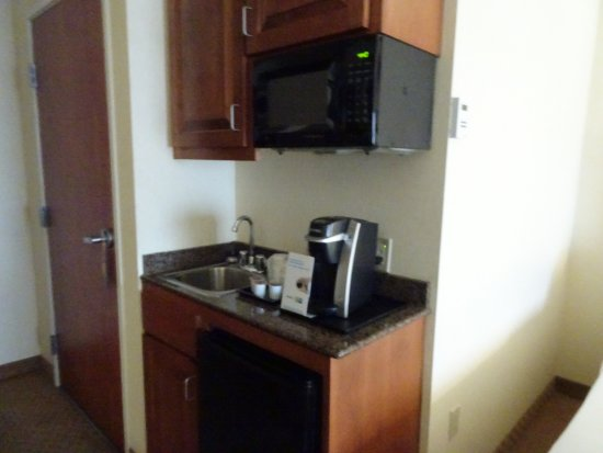 Holiday Inn Express Hotel & Suites Klamath Falls: kitchenette
