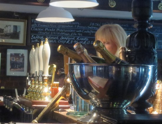 The Chequers Inn at Well: Plenty of Moet for all!