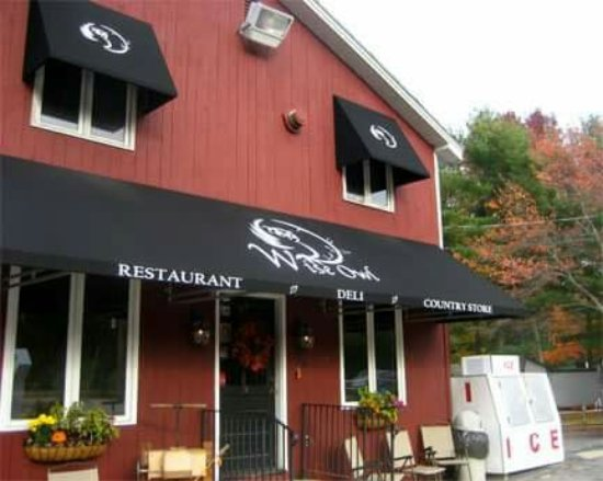 Alton, NH: Wise Owl Country Store Restaurant & Deli