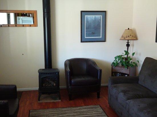 Quillayute River Resort: Living room