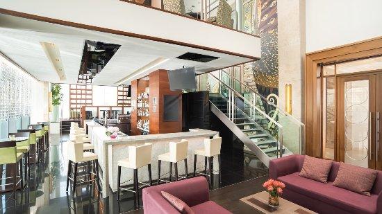 Amber's Bar-Sheraton Bratislava Hotel
