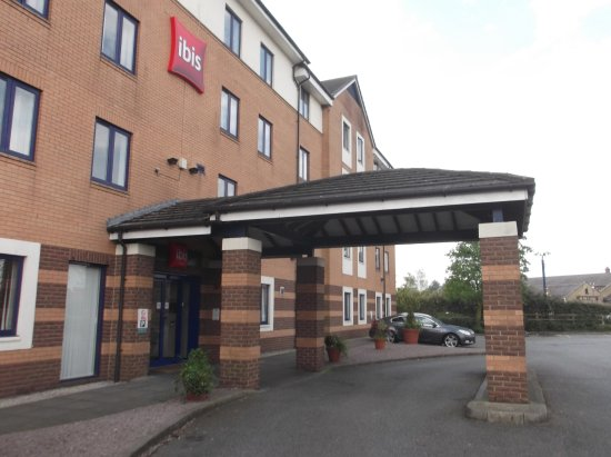 North Hykeham, UK : View of the entrance to the hotel