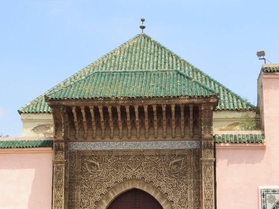Mausoleum of Mouley Ismail: 上手く工事冊が入らないように正面だけ撮影