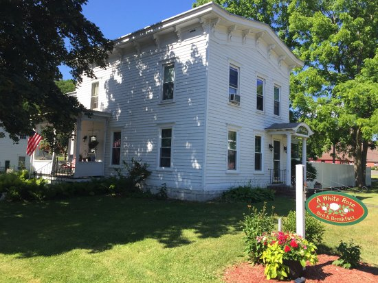 Fort Plain, NY: View of A White Rose Bed and Breakfast exterior.