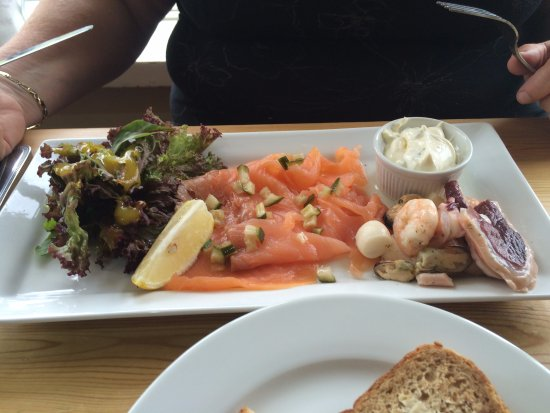Tivetshall St. Mary, UK: Seafood platter at 'The Old Ram'