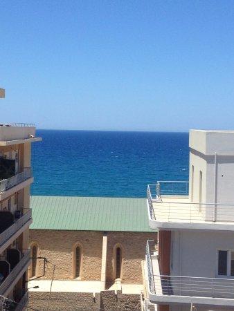 Atrion Hotel: vue sur la mer depuis la terrasse
