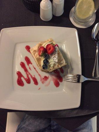 Sheraton Grand Krakow: rooftop cheesecake
