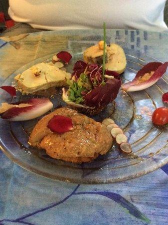 Entrechaux, Γαλλία: trio de foie gras une entrée merveilleuse