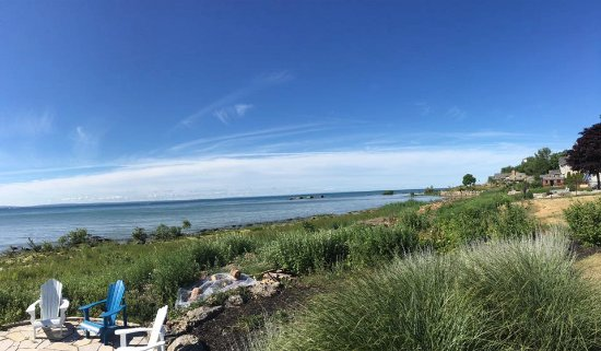 Lakeshore Bed and Breakfast: View from the deck