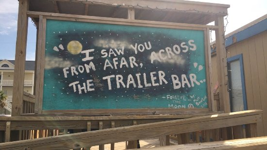 ‪The Trailer Bar‬