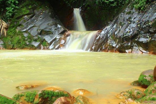 Coronado, Costa Rica: Río de origen volcánico espectacular!!!!