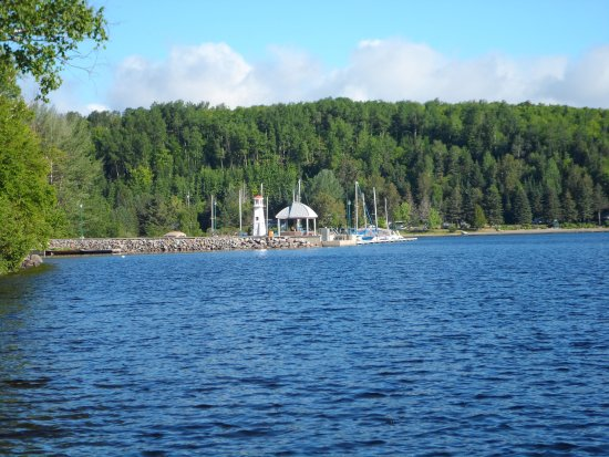 Piopolis, Canadá: View from the dock of the little marina nearby