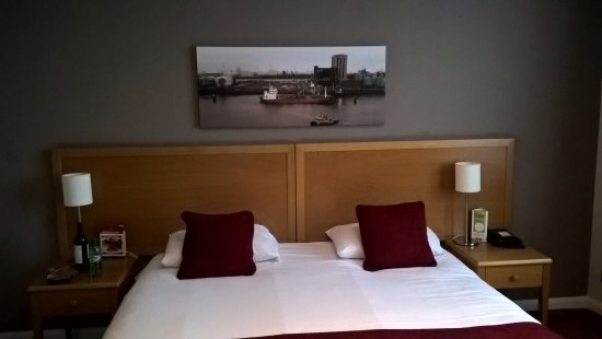 Hedon, UK: Headboard end