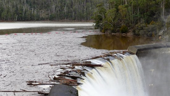 Barrington, Australia: Top of the dam wall.