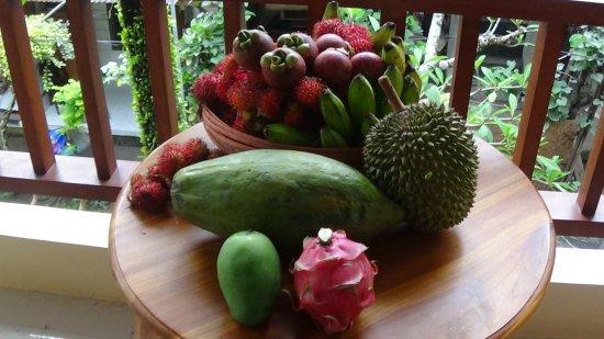 Sandat Bali: Mamas Markteinkauf für uns