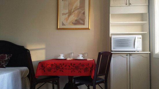 Madoc, Kanada: In room dining area