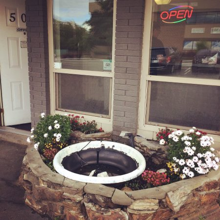 "Fountain Motel: The ""fountain"""