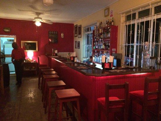 Paynes Bay, Barbados: Interior Bar