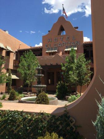 Van Horn, TX: Courtyard.