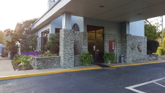 Photo of Americourt Hotel Mountain City