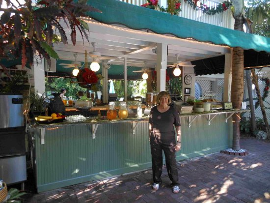 Beautiful The Gardens Hotel: My Wife In Front Of Outdoor Portion Of The Breakfast  Buffet.