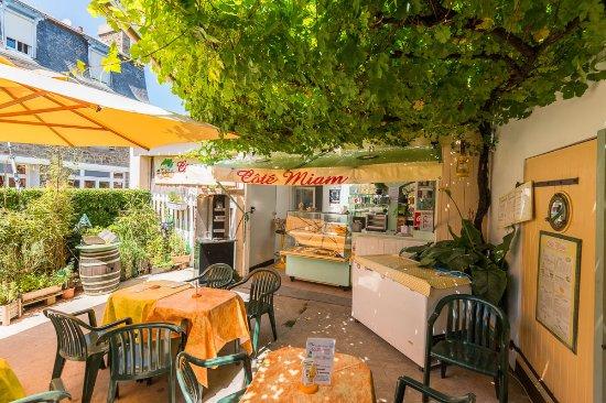 Lancieux, فرنسا: panini ,salades, sandwichs, brochettes maison et le meilleur hamburger de l'ouest , tapas maison