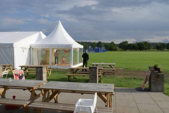 Aston Clinton, UK: The marquee is ready in case of bad weather