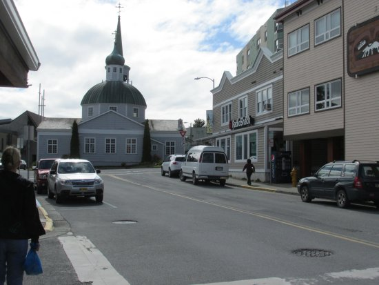 Westmark Sitka Hotel: Sitka main street with St. Michael's Russian Orthodox Cathedral