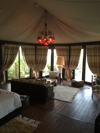 Kasbah Tamadot: Living area of tent